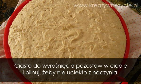 Rośnięcie ciasta chlebowego