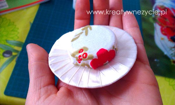 Kapelusz miniaturowy