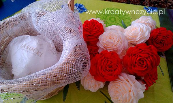 Jak zrobić kosz róż krepa