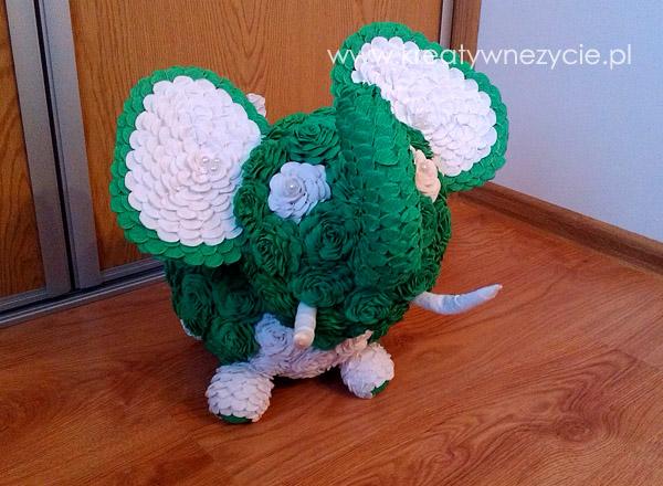 Jak zrobić słonia z róż