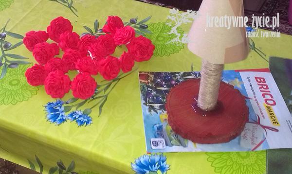 Malinowe róże z krepy