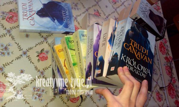 książki fantasy Canavan