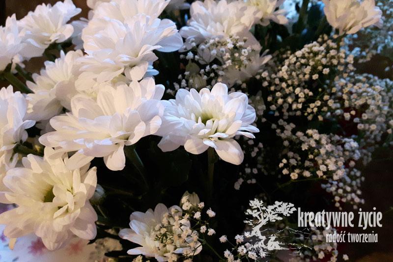 Jak upleść wianek z żywych kwiatów