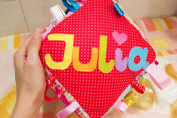 Kostka metkowiec dla Julii