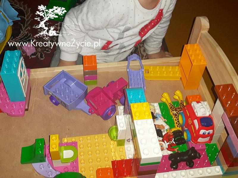 Ikea łóżeczko jako stół do Lego