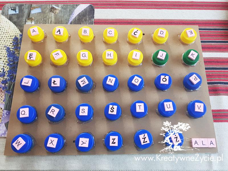 Alfabet z nakrętek diy