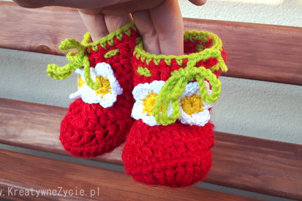strawberry-crochet-boots