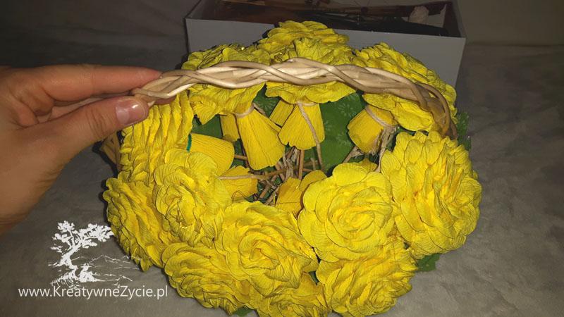 Bukiet róż z krepy