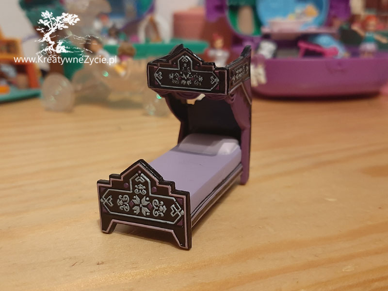 Disney animators mini Elza bed